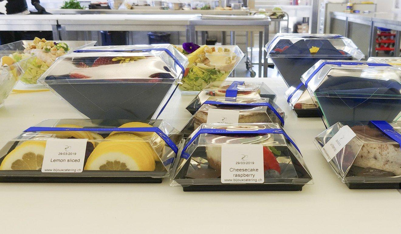 Bữa ăn xa xỉ trên chuyên cơ dành cho khách VIP