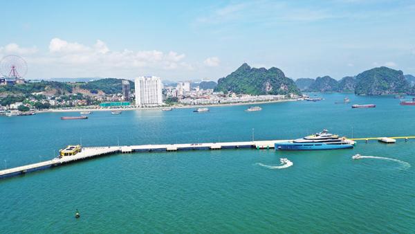 Du lịch mua sắm - phép cộng hoàn hảo ở 'thiên đường' Hạ Long