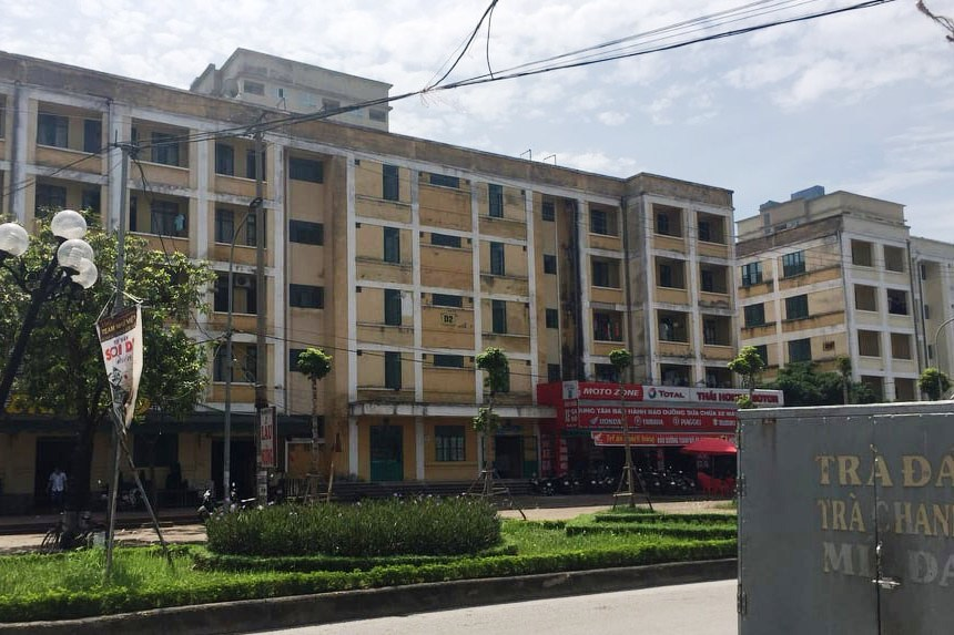 Nhà sửa xong 3 năm, nhà thầu ở Hà Nội khóc ròng vì bị om vốn