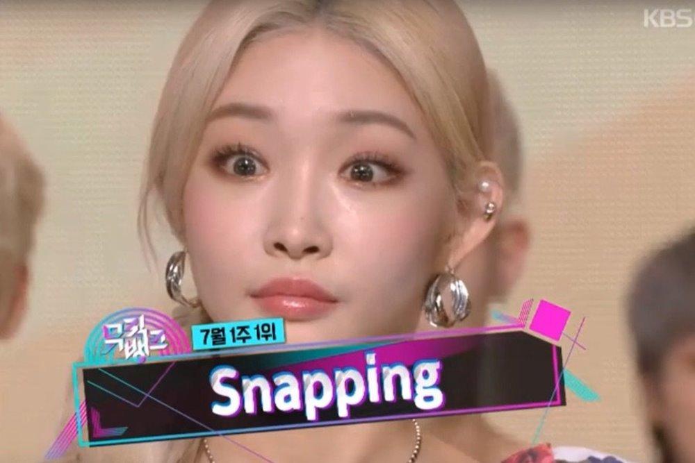 HyunA lên tiếng về nghi án bơm môi, bụng to bất thường