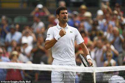 Djokovic chật vật giành vé vòng 4