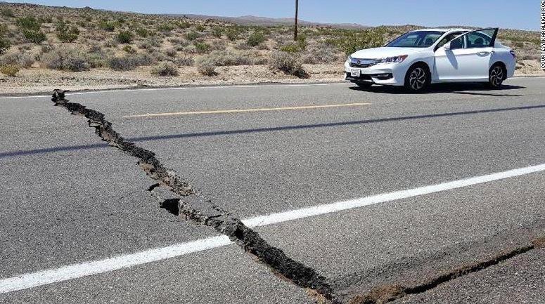 Động đất cực mạnh tấn công nam California