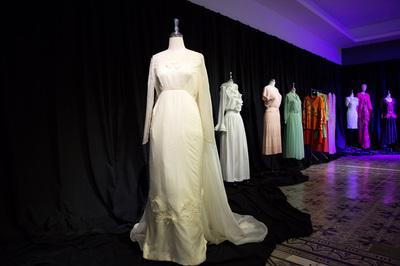 Lạ lẫm triển lãm thời trang đầu tiên tại Việt Nam