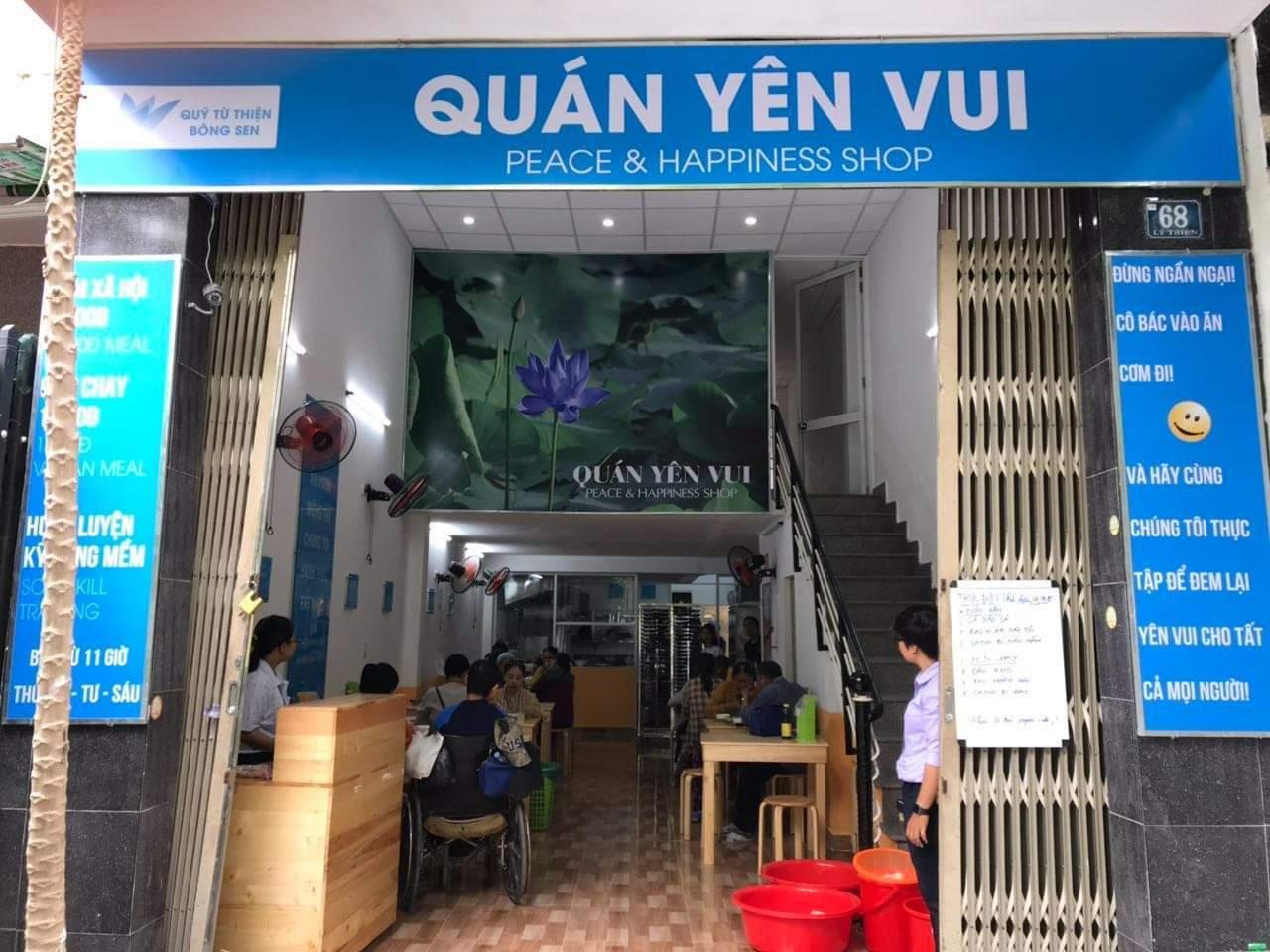 Điều đặc biệt trong quán cơm 2 nghìn đồng của người Đà Nẵng