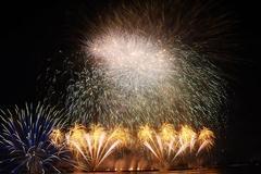 Đưa khán giả ra khơi bằng pháo hoa ở Đà Nẵng, đội Phần Lan vô địch