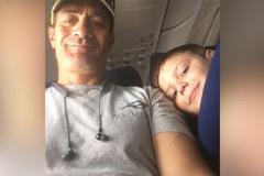 Bà mẹ để con trai 7 tuổi đi máy bay 1 mình
