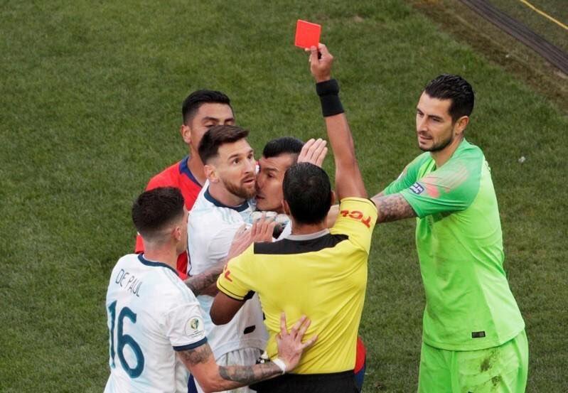 Messi bức xúc tung hê hết 'trò hề' ở Copa America