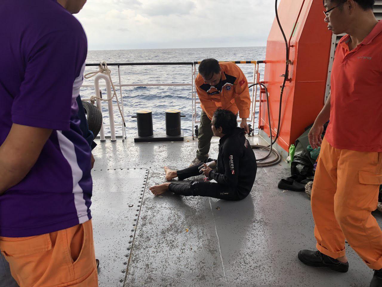 Bộ Quốc phòng điều robot tìm kiếm 9 thuyền viên mất tích ở Bạch Long Vĩ