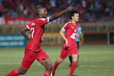 TPHCM thua Viettel, cơ hội để Hà Nội FC bứt lên