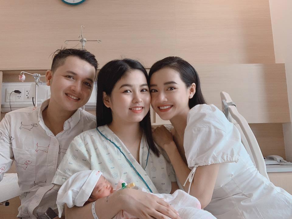 Lâm Khánh Chi,Trấn Thành,Phạm Quỳnh Anh,Hương Giang,Mai Phương,Ngọc Lan,Tăng Thanh Hà,Nhã Phương