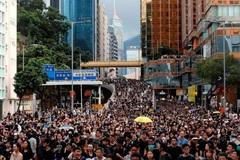 Người Hong Kong tuần hành ở khu vực đông khách du lịch
