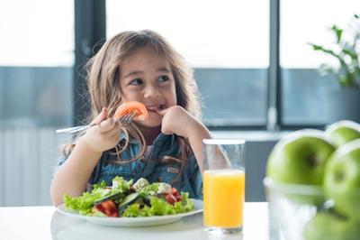 Abbott - 30 năm cùng mẹ giải tỏa nỗi lo dinh dưỡng cho trẻ