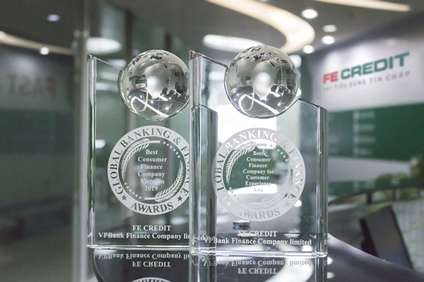 FE Credit wins two Global Banking & Finance Review's awards