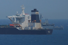Iran tố cáo Anh bắt tàu dầu 'như cướp biển'