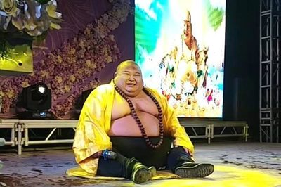 Kiếm bộn nhờ ngoại hình giống Phật Di Lặc