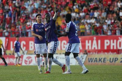 Hạ Hải Phòng, Hà Nội chiếm ngôi đầu bảng V-League