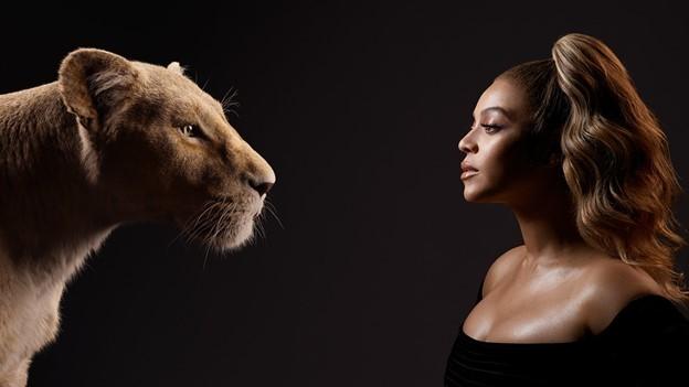 Mỹ nhân lồng tiếng cho 'Vua sư tử' sexy đến nghẹt thở, giàu không tưởng tượng nổi
