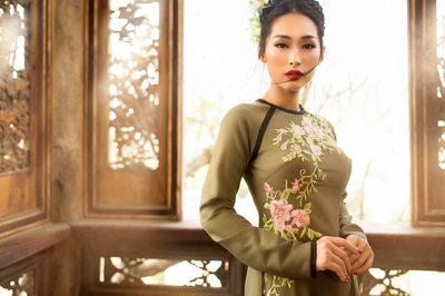 Hoa hậu Việt Nam toàn cầu Quỳnh Thy toả sáng trong áo dài của Võ Việt Chung