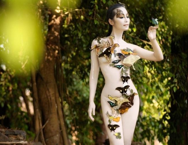 Mặc nội y vẽ: Hôn thê của Cường Đô La gợi cảm vẫn thua 'hoa hậu ăn chơi Sài Gòn'
