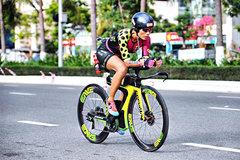 'Steel rose' conquers Vietnam's toughest marathons
