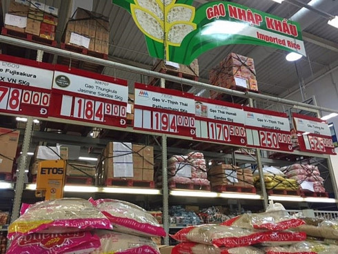 Foreign retailers selling goods without permission in Vietnam?