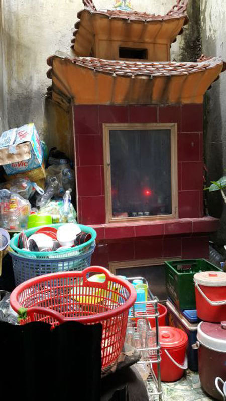 Hanoi struggles to repair damaged ancient buildings