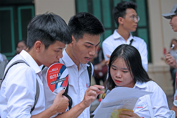 Những thí sinh đầu tiên trúng tuyển Trường ĐH Sài Gòn