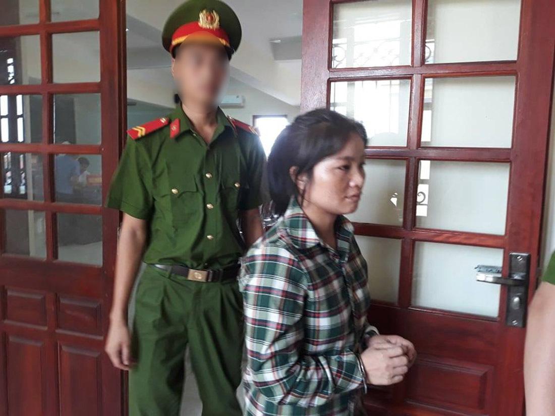 Bán bé gái hàng xóm sang TQ, nữ quái ở Nghệ An lĩnh 9 năm tù