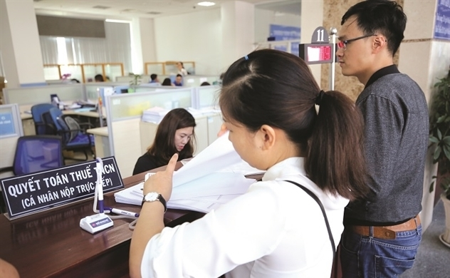 Should higher taxes be levied on wealthy Vietnamese?