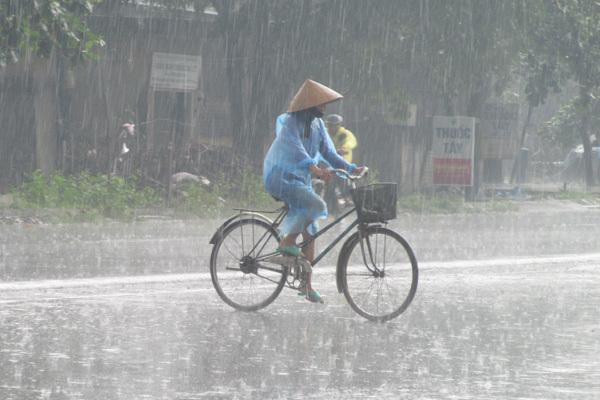 Dự báo thời tiết 10/7, mưa dông chấm dứt nắng nóng ở Bắc Bộ