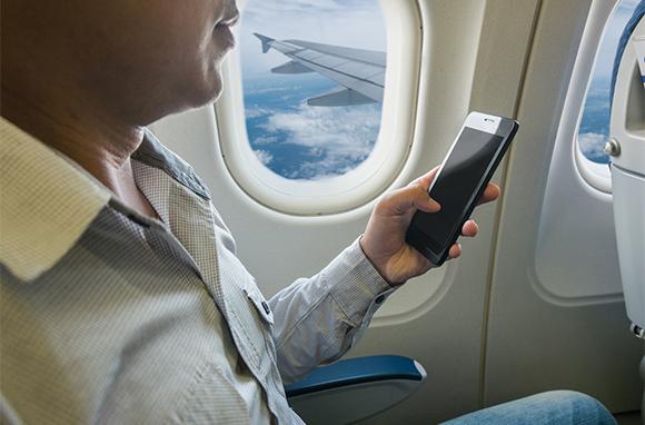 Chuẩn bị cho chuyến bay đường dài, bạn đừng quên những vật dụng này