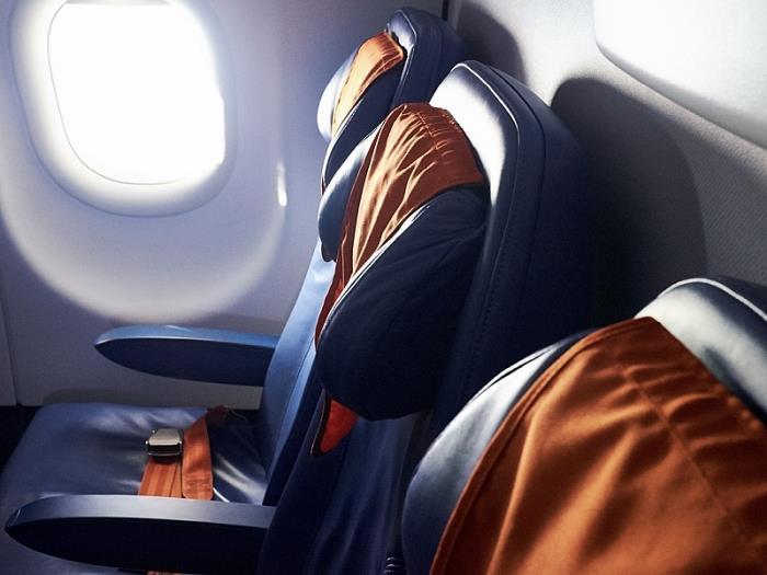 Bất ngờ với những đồ dùng bẩn thỉu, nhiều vi khuẩn nhất trên máy bay
