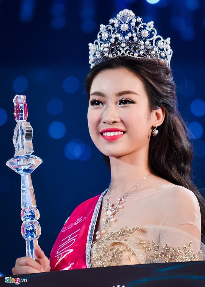 Kỳ Duyên hở bạo nhất trong dàn hoa hậu từ khi đăng quang năm 2014