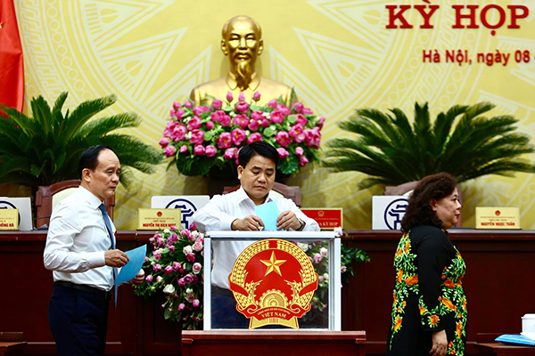 Bãi nhiệm đại biểu HĐND Hà Nội với cựu Bí thư huyện Phúc Thọ