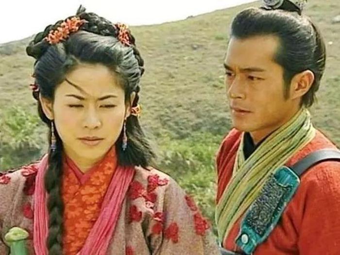 Phía Cổ Thiên Lạc phủ nhận tin đồn sắp cưới Tuyên Huyên