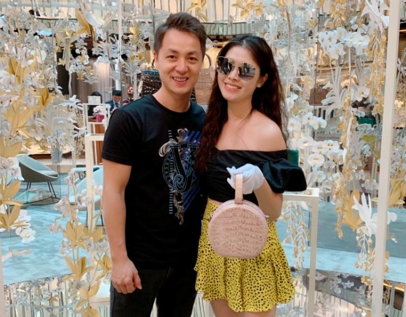 Đăng Khôi chi bộn tiền cho bà xã mua đồ hiệu đón sinh nhật ở châu Âu