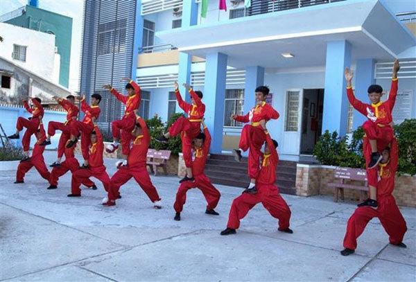 Hien Long Duong Kylin Dance Club,dragon dance,master's labour of love,entertainment news,what's on,Vietnam culture,Vietnam tradition,vn news,Vietnam beauty,Vietnam news,vietnamnet news,vietnamnet bridge,Vietnamese newspaper,Vietnam latest news,Vietnamese