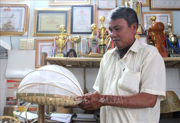 Farmer finds success exporting rattan and bamboo products