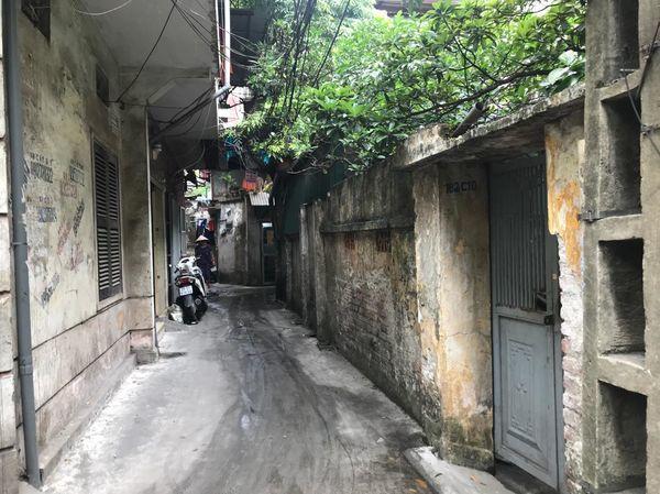 Sàm sỡ 2 cô gái, thanh niên bị đánh tơi tả ở Hà Nội