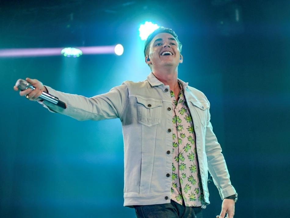 Thanh Bùi bất ngờ song ca cùng 'hoàng tử nhạc pop' Jesse McCartney