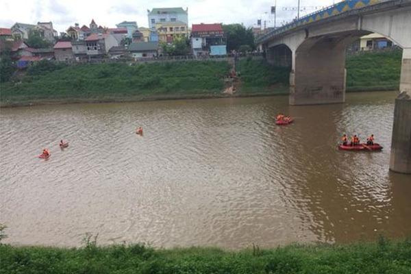 Cô gái ở Lạng Sơn nghi nhảy sông Kỳ Cùng tự tử