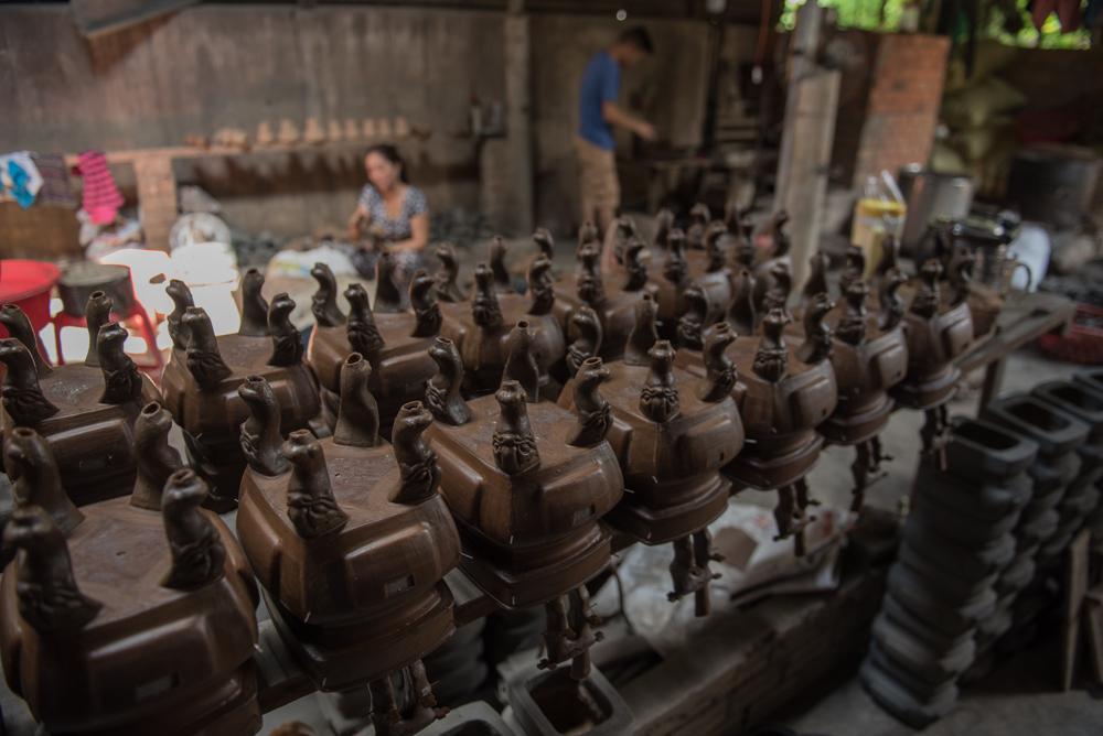 Nỗi lo của người đàn ông sở hữu hàng trăm bộ lư đồng ở Sài Gòn
