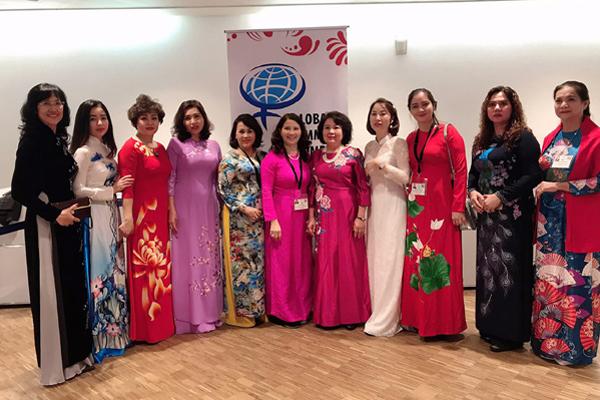 """Phụ nữ Việt Nam tham gia """"Tái định nghĩa thành công"""" thời 4.0"""