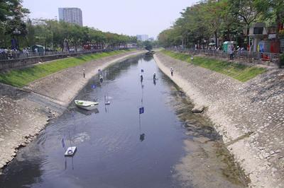 'Sông Tô Lịch như người bệnh, chỉ đỡ xấu chứ không thể sạch'