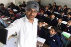 Không gửi ảnh selfie trước giờ đi làm, 700 giáo viên bị trừ lương