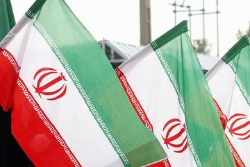 Iran suýt bắt giữ tàu chở dầu của Anh