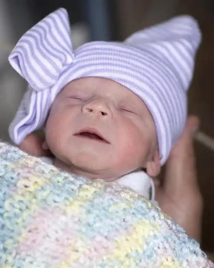 Đứa trẻ đầu tiên tại Mỹ sinh ra từ tử cung hiến tặng của người đã chết