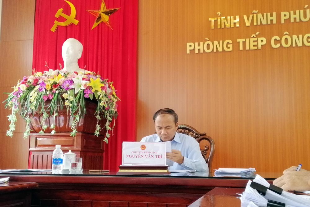 Dân tố quan nhận quà ỉm sai phạm, Chủ tịch Vĩnh Phúc 'ra tay'