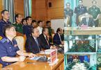 Thủ tướng trò chuyện với cảnh sát biển qua hệ thống vệ tinh