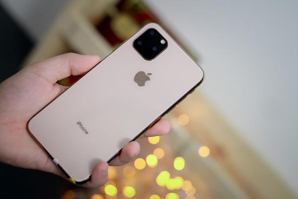 """iPhone 11 """"hàng nhái"""" xuất hiện tại Việt Nam với vẻ ngoài giống hệt"""